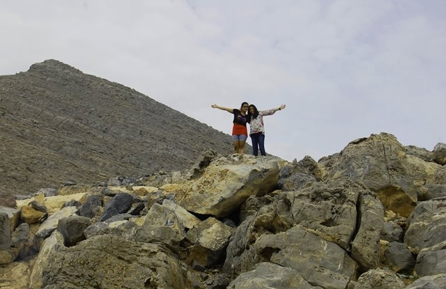 A day trip to Jebel Jais – UAE : CHildren at the mountain top