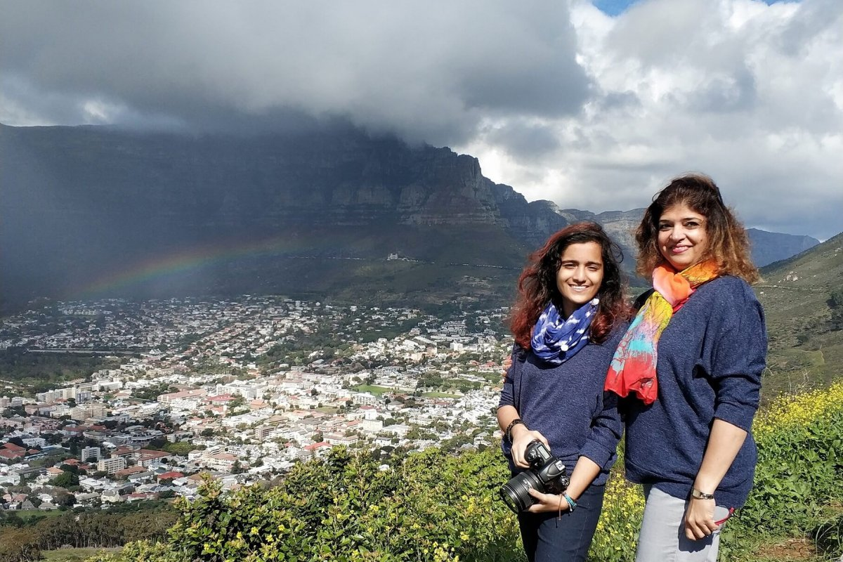 Clouds and Rainbow : Table Mountain