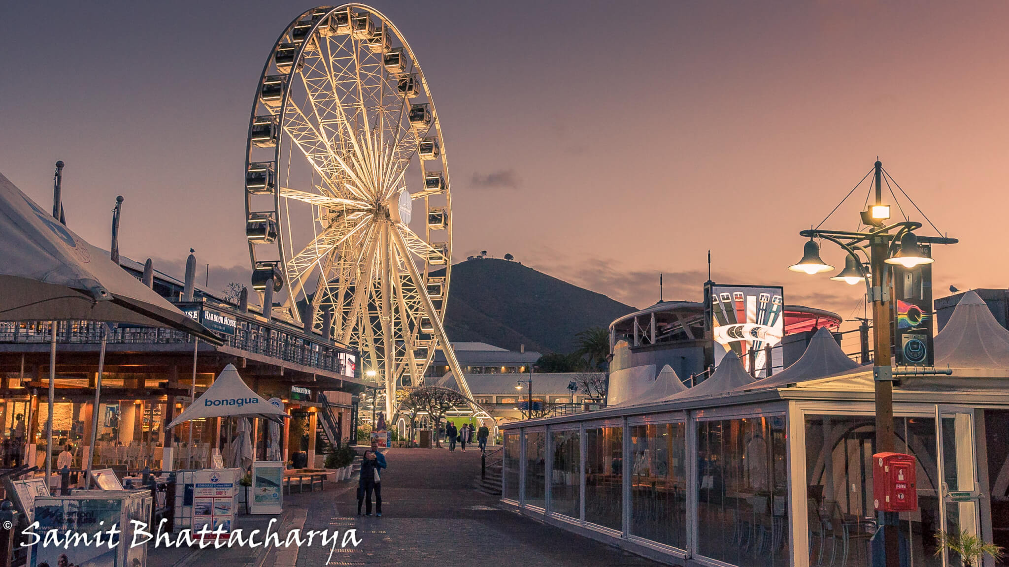 Wheel at V & H Waterfront : Cape Town