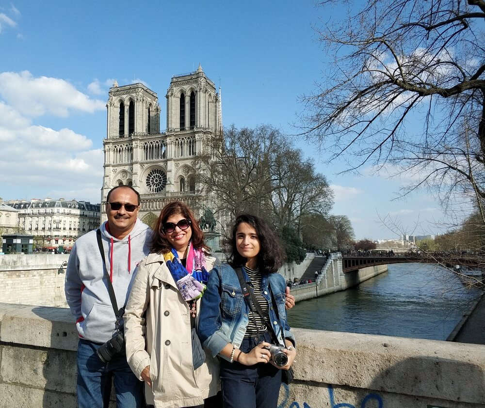 Family in front of Notre Dame