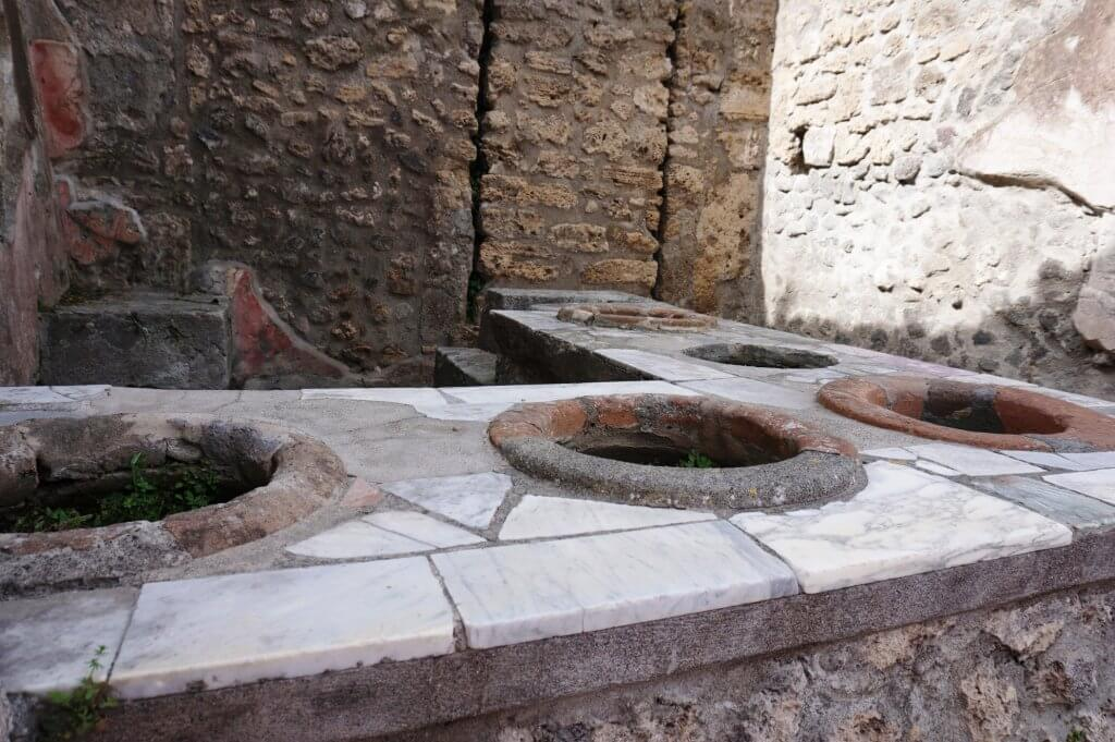 Food Counter or Thermopolium