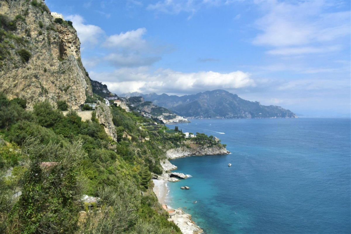 The view of the cliffs on the road to Amalfi